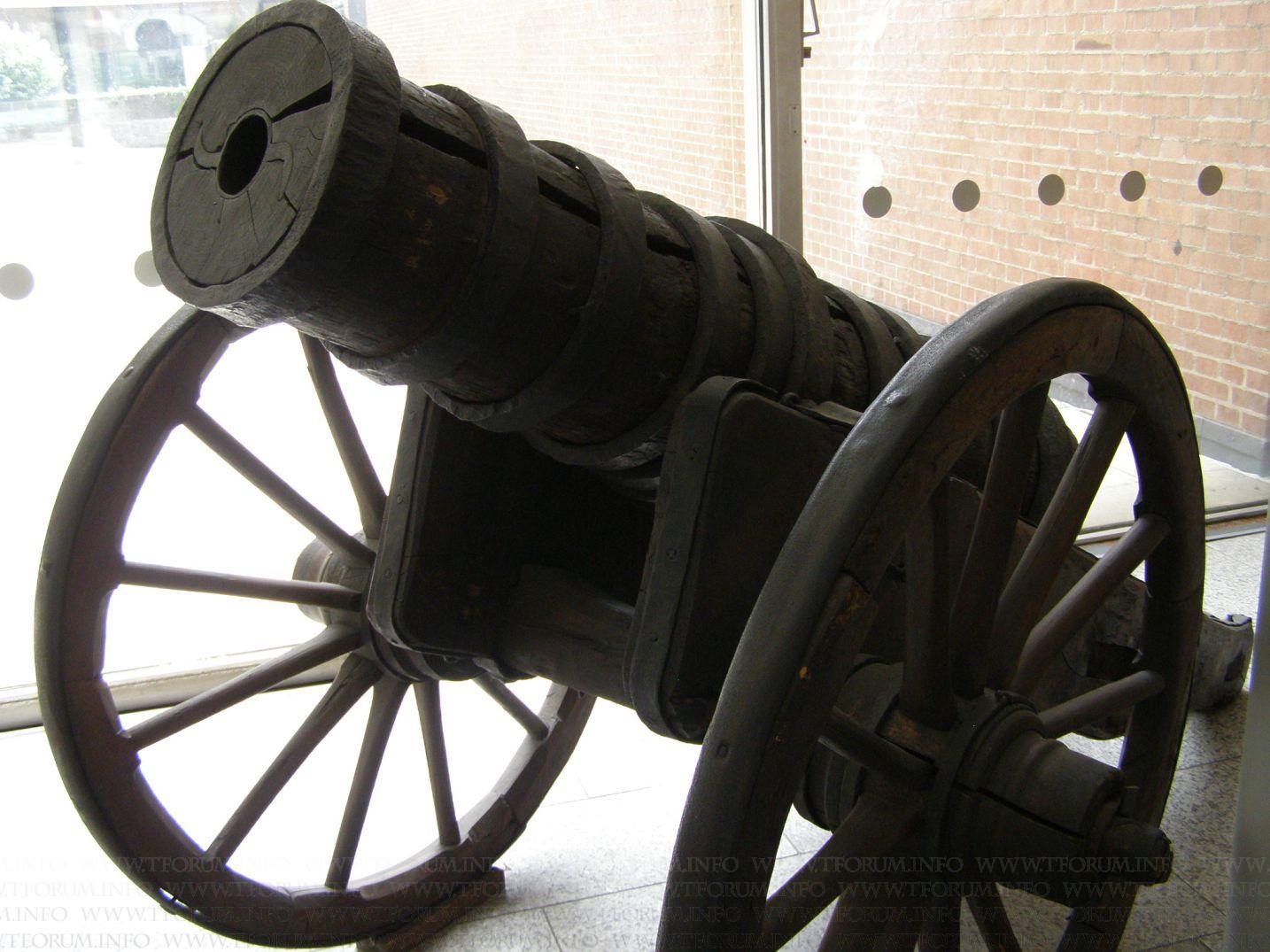 les canons en bois et en cuir Gallery_111_55333