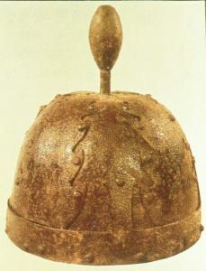 бохайский шлем с шишаком.jpg