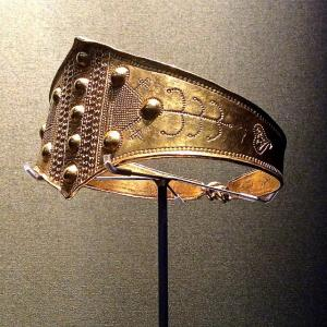Viking age  gold arm ring from Denmark 800-1050 AD.jpg